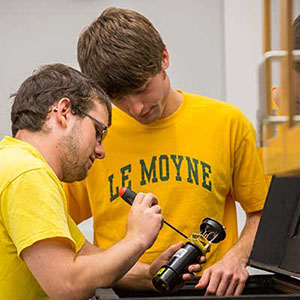 Le Moyne College Honors Programs