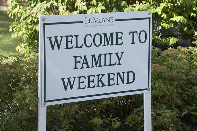 Family Weekend Welcome Sign