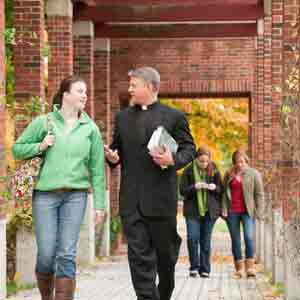Support for Le Moyne College first-year students